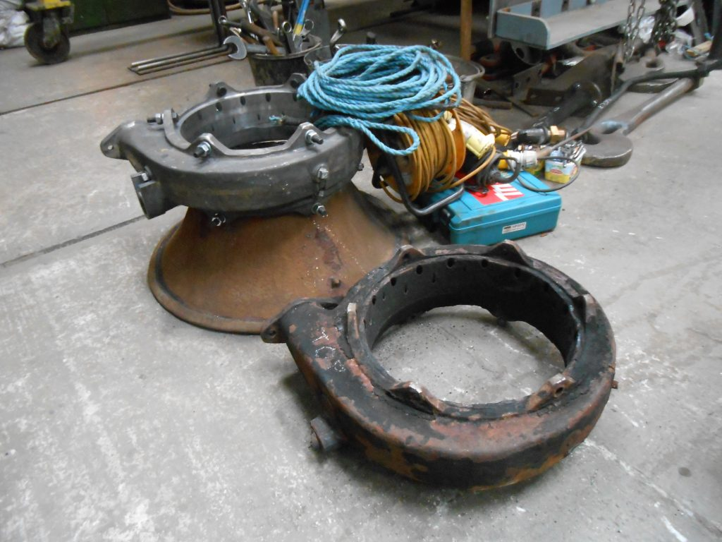 Old and new blower rings for 5643