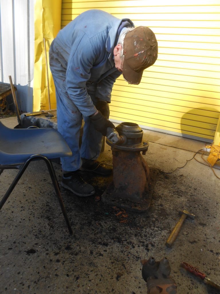 Fred cleans up 5643's blastpipe