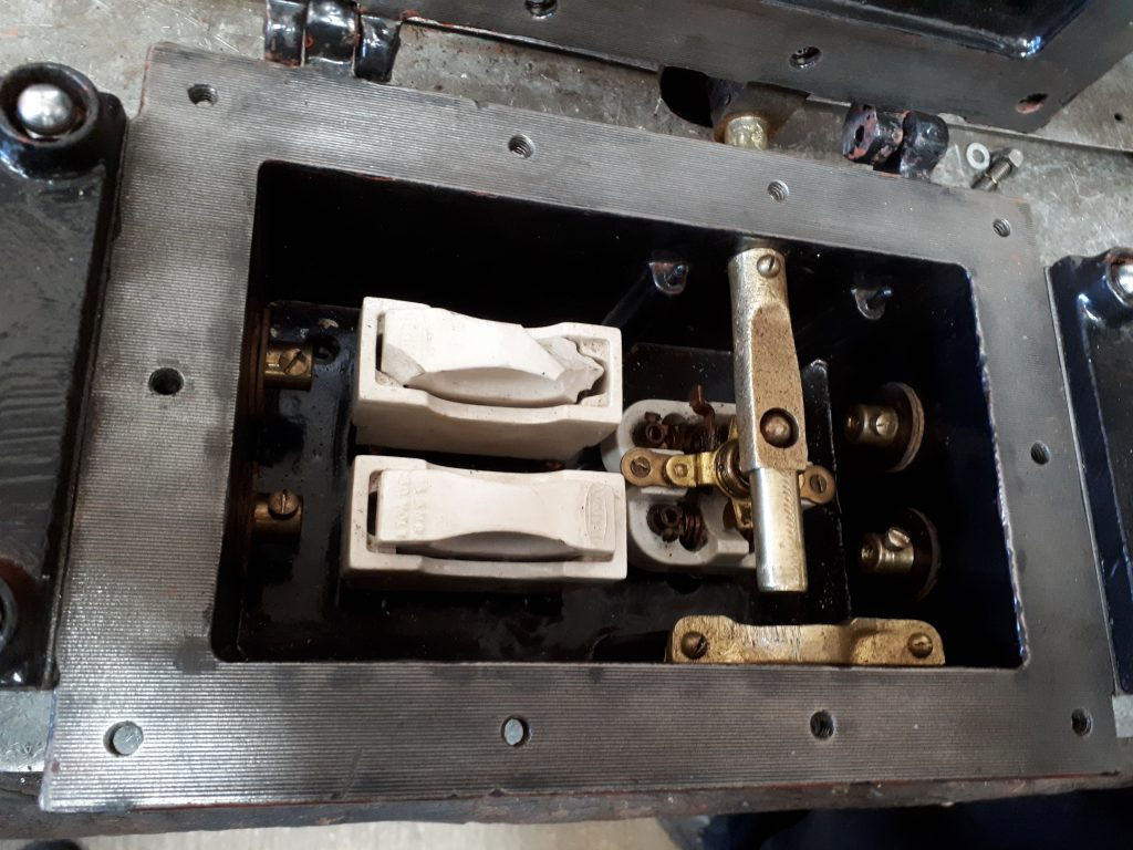 Fluff's refurbished electric switch box