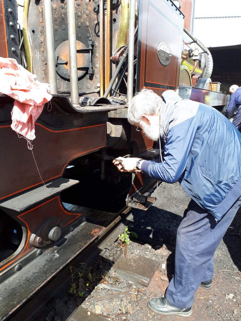 Alan Middleton dismantles pipework on FR 20