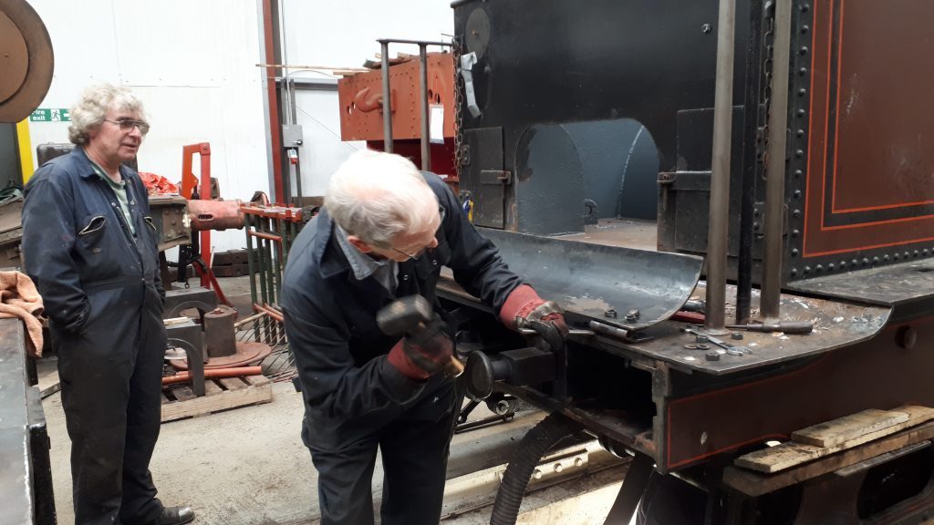 John Dixon removing the fall plate on FR 20's tender