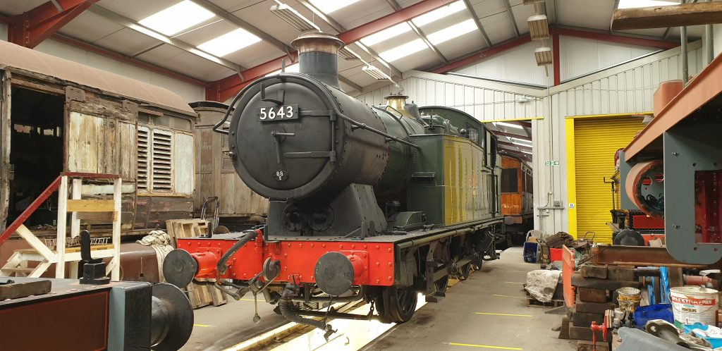 5643 over the pit in the FRT shed