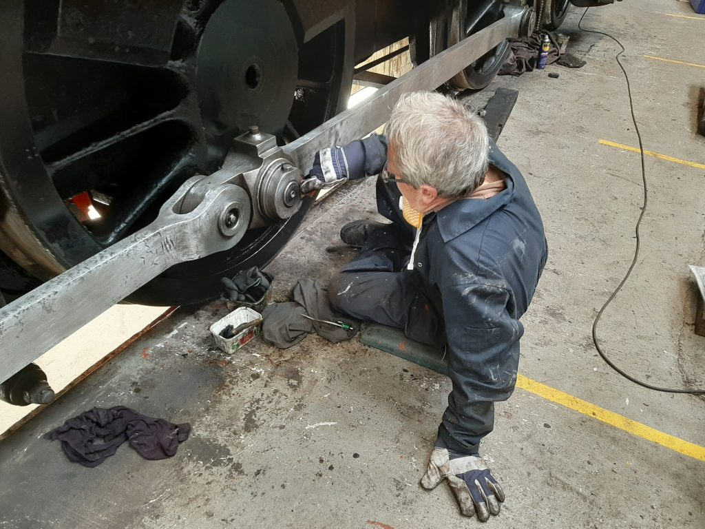 Paul Balshaw cleaning 5643's rods