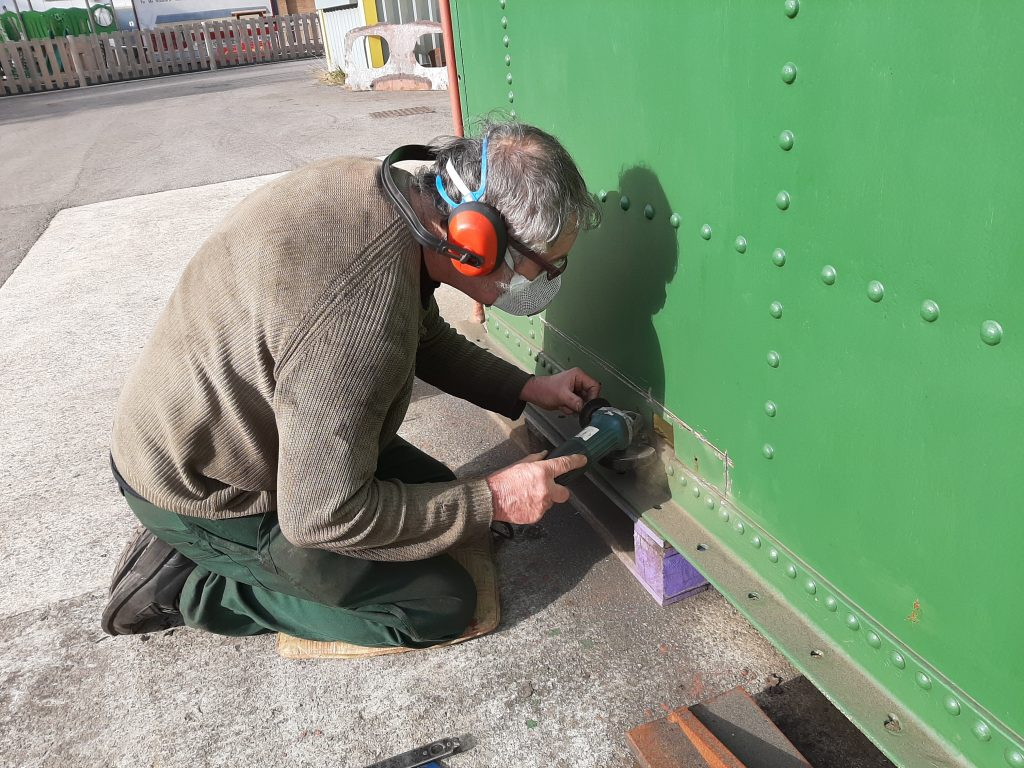 Keith cutting yet more metal from Wootton Hall's tender tank