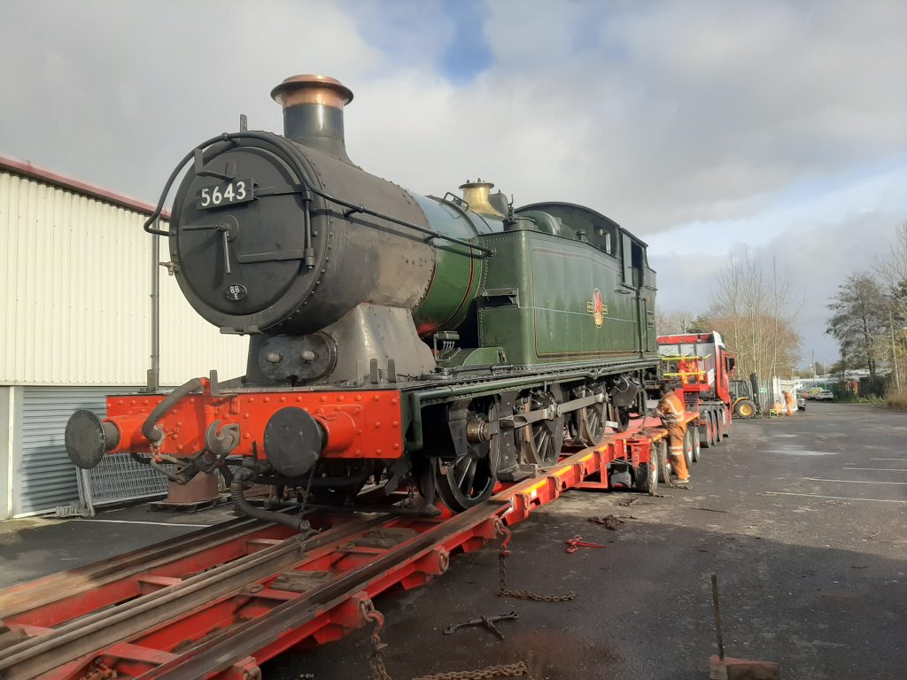 5643 being loaded
