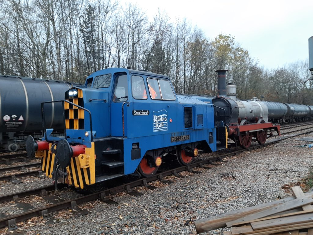 Progress shunting FR 20's engine back to the FRT shed