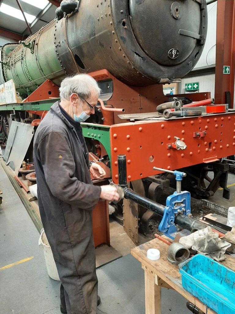 John Dixon refurbishing FR 20's vacuum pipework