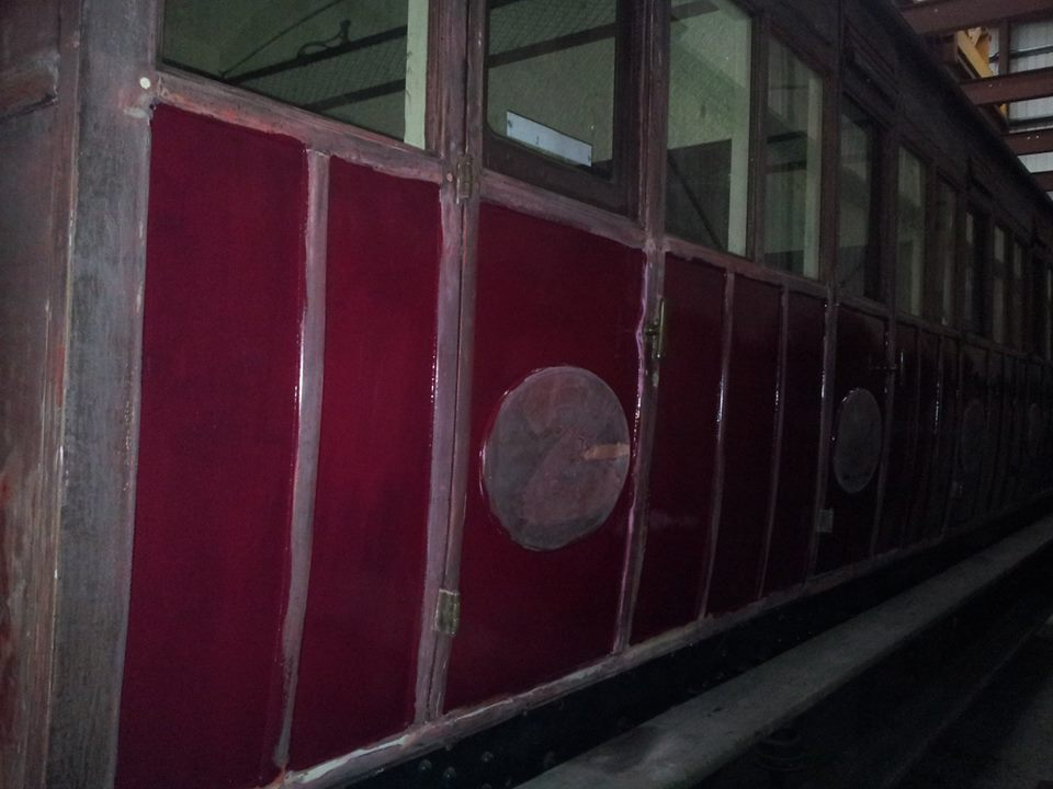 The first new paint goes onto the N London Coach
