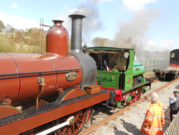 FR20 and Teddy at the museum end of the Locomotion running line